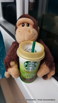 Onyet & Starbucks Matcha Tea Latte
