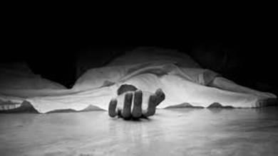 Photo of अहमदनगरच्या व्यक्तीची पुण्यात लॉजमध्ये आत्महत्या