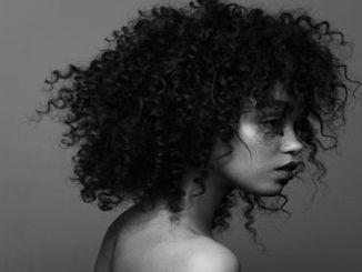 Kıvırcık Saçlar için Şampuan Önerileri