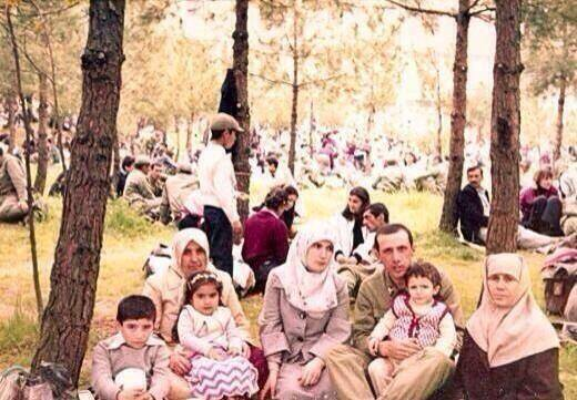 Piknikte_ailesiyle