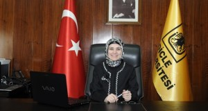 Dicle_Universitesi_Rektoru_Aysegul_Sarac_turbanli_11.4.14