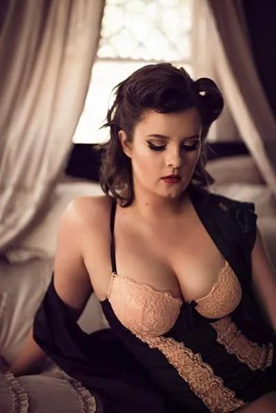 vintage boudoir bed blush lingerie photo photography louisiana photographer lingerie ahnvee photography lafayette, la