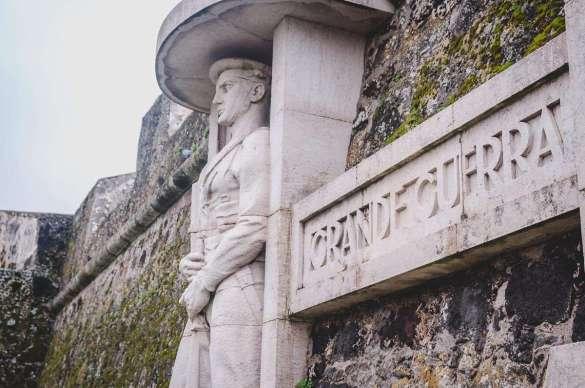Das Denkmal der gefallenen Soldaten und Seeleute des 1. Weltkrieges.