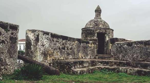Mit dem Bau der massiven Festungsmauer wurde 1552 begonnen.