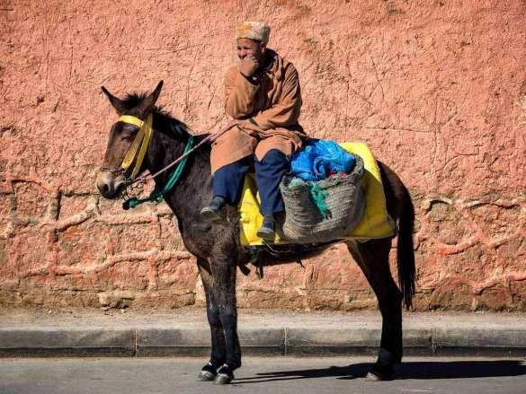 Warten und Parken in Marokko - Eindrücke aus Rissani