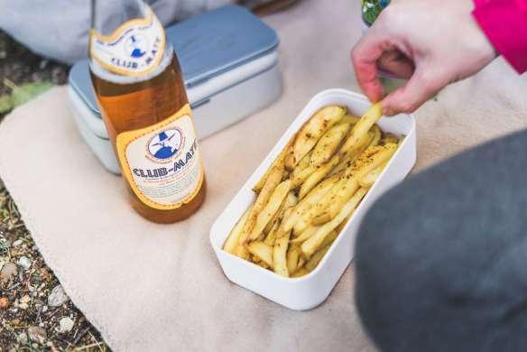 Homemade Fries und Club Mate