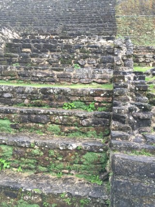 Jaguar Temple - bereits mit ganz viel Moos bewachsen