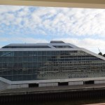 Hafenterminal Hamburg Altona - Dockland - das Schiff wendet