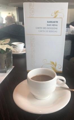 Kaffee trinken in der Lounge
