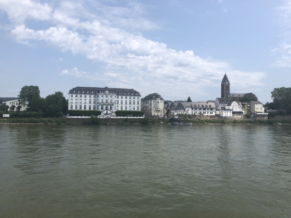 MS Viola - auf dem Fluss unterwegs