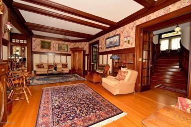 Thomas livingroom2
