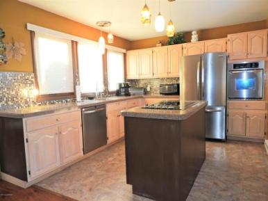 2496 Long pond kitchen 3
