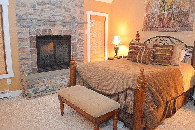10 Master Bedroom (5)