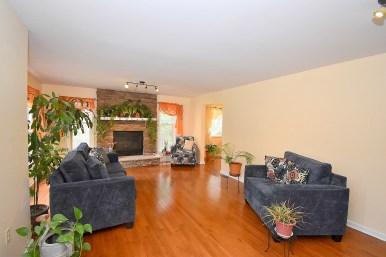 3 Living Room (2)
