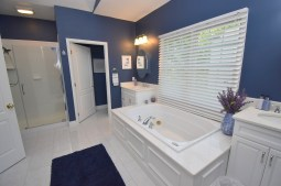 13 Master Bathroom (2)