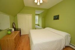 15 2nd Bedroom (2)