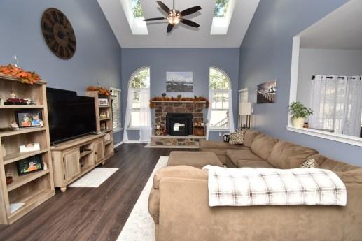 5 Living Room (1)