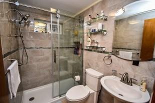 8 Bathroom (2)