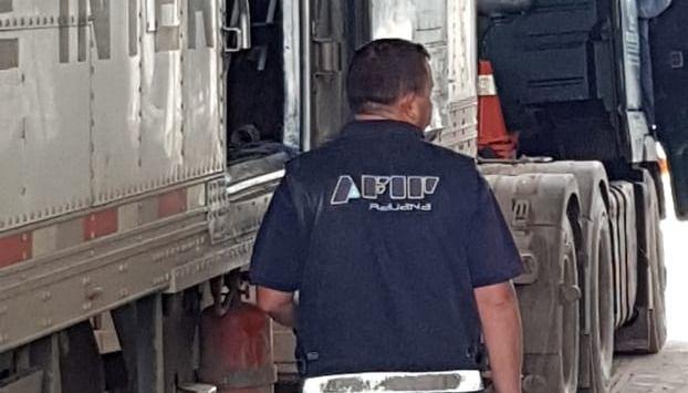 Argentina: Intentó cruzar la frontera con 153 kilos de droga en un camión con bananas