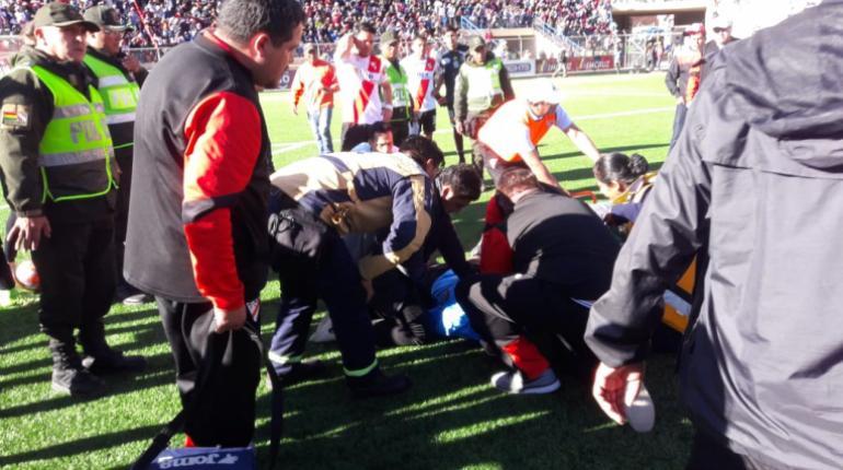 Último: Fallece árbitro durante un partido oficial de la liga de futbol de Bolivia