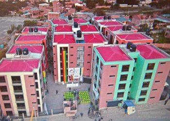 Las viviendas en el condominio de Huachilla no beneficiaron a todas las familias afectadas por el desastre en Santa Rosa de Callapa.