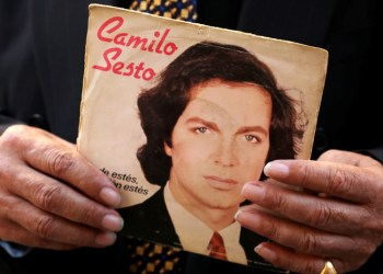Un álbum discográfico del cantante español Camilo Sesto./ Reuters