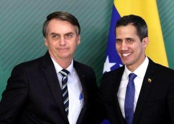Jair Bolsonaro y Juan Guaidó durante un encuentro en Brasilia (REUTERS/Ueslei Marcelino)