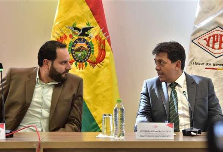 El expresidente de YPFB, Herland Soliz y el exministro de Hidrocarburos, Víctor Hugo Zamora. Foto archivo.
