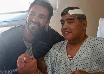 El médico Leopoldo Luque, junto a Diego Maradona, poco después de la operación realizada en noviembre pasadoEl médico Leopoldo Luque, junto a Diego Maradona, poco después de la operación realizada en noviembre pasado
