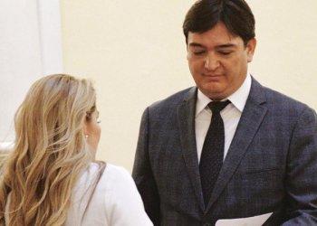 La expresidenta Jeanine Añez posesiona como procurador a José María Cabrera, el 3 de diciembre de 2019.