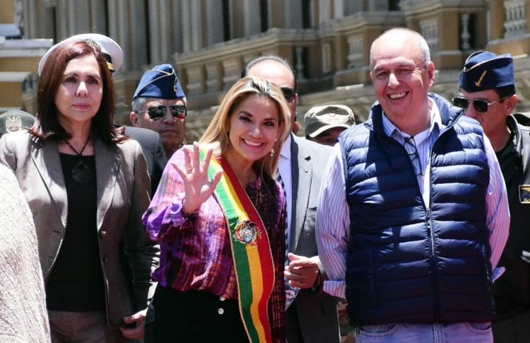 La ex presidenta Jeanine Añez junto a Arturo Murillo