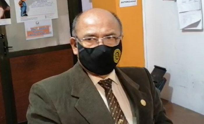 Exministro de Salud, Aníbal Cruz, llegó a la ciudad de La Paz
