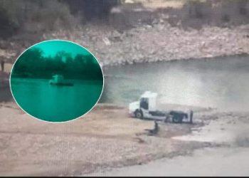 Fotografía del camión que cruzó por el Río Bermejo