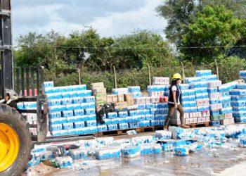 Bebidas alcohólicas incautadas y destruidas en Yacuiba. ADUANA NACIONAL