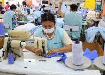 Labores al interior de una unidad productiva nacional