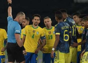 El partido Brasil-Colombia estuvo marcado por la polémica arbitral. Foto: AFP