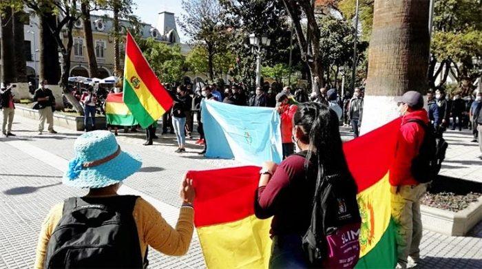 Protesta de policías jubilados y esposas de policías, la semana pasada.   Hernán Andia