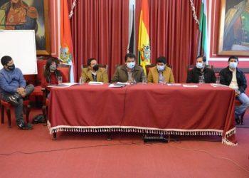 Gobernación y Alcaldía de Tarija firman acta de compromiso con plataformas de turismo departamentales