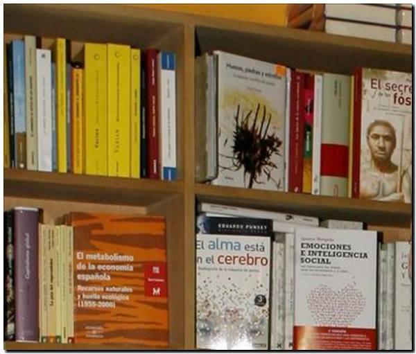 Acuerdan con la industria editorial impulsar la edición e impresión de libros en el país