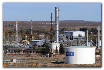 ECONOMÍA: YPF baja el precio de los combustibles