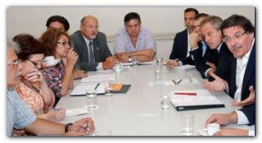 PARITARIAS: Mientras Provincia espera, Nación aspira a acordar hoy lunes con los sindicatos docentes