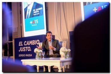 """Massa presentó su libro """"El Cambio Justo"""""""
