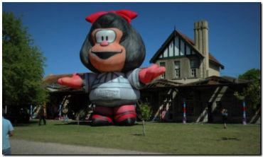 NECOCHEA: Muñecos imponentes se suman al Festival Infantil