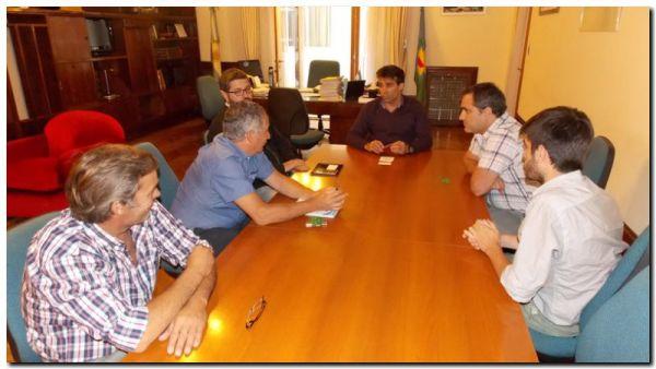López encabezó reunión sobre la problemática de transporte de carga en Puerto Quequén