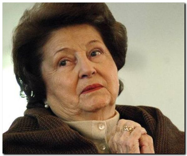 Viuda de Pinochet declara por dos horas ante juez