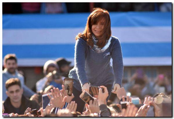 ELECCIONES 2017: Cristina le ganó a Bullrich