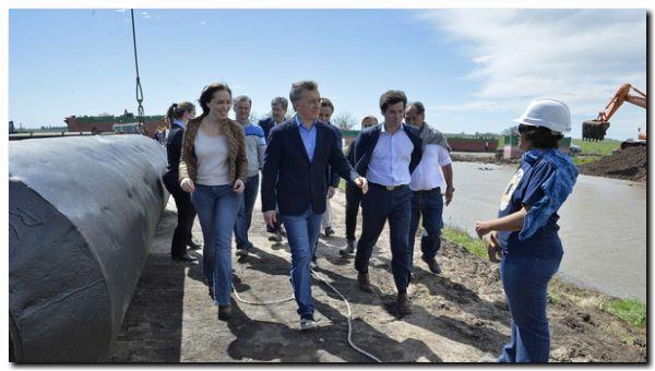GOBIERNO: Mauricio Macri y María Eugenia Vidal recorrieron las obras del río Salado