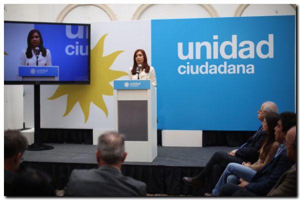"""AMIA: Cristina Kirchner acusó al presidente Macri de """"persecución política"""""""