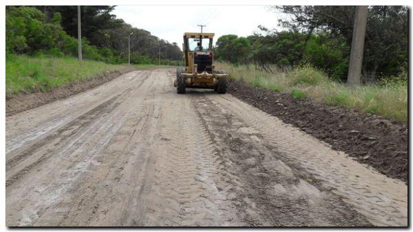 NECOCHEA: Limpieza y entoscado en Avenida 2, desde el camping y hacia Punta Negra