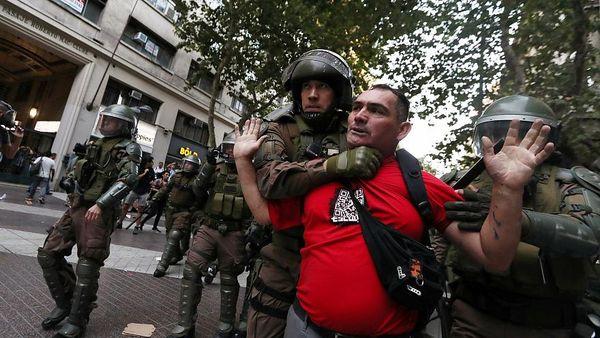 CHILE: Manifestaciones por la muerte de un joven